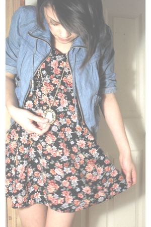 blue Forever 21 jacket - black vintage dress - gold Forever 21 necklace