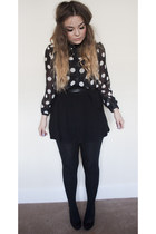 black polka dot Primark shirt