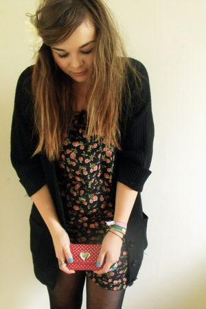 black Primark shorts - black Primark cardigan - white new look accessories - red