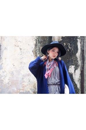 blue my design earrings - vintage coat - black Monki hat