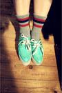 Creamy-korea-coat-tasty-hat-blue-corduroy-korea-skirt-red-line-uniqlo-top