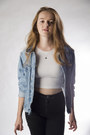 Light-blue-denim-vintage-jacket-white-crop-top-american-apparel-top