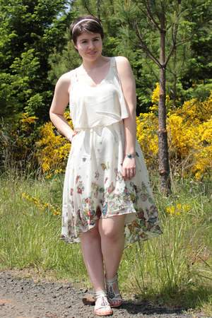 white kohls sandals - eggshell Forever 21 dress