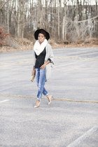 boyfriend jeans H&M jeans - Zara sweater - peplum Locks and Trinkets top