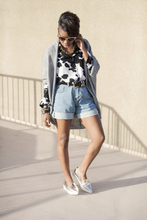 boyfriend PERSUNMALL shorts - printed PERSUNMALL blouse - Zara flats