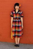 red plaid shirt vintage dress - yellow weaved vintage bag