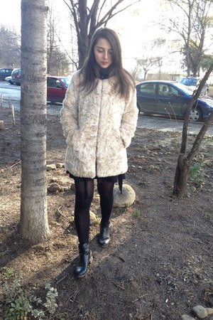black Bershka shoes - black H&M dress - neutral Stradivarius coat