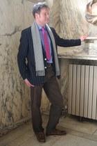 pink Charles Tywritt tie - navy Charles Tywritt blazer - blue jaeger shirt