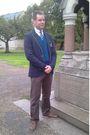 Timberland-shoes-banana-republic-pants-muji-cardigan-zara-blazer-tie-rac