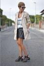 Beige-zara-jacket-black-leather-shorts-zara-shorts
