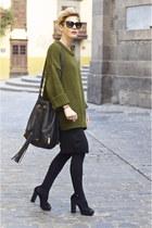 black Pantai skirt - olive green Zara sweater - black Uterque bag