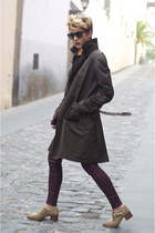 dark brown Massimo Dutti coat - tan Uterque shoes - crimson Mango jeans