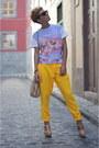 Neutral-massimo-dutti-bag-black-ray-ban-sunglasses-neutral-uterque-heels