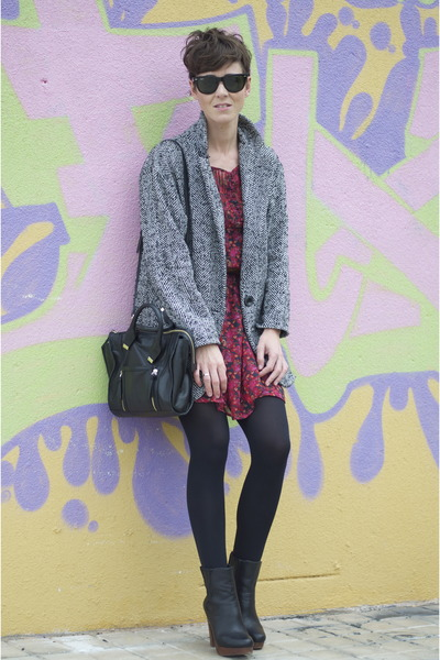 black tweed Shana coat - black leather Uterque boots