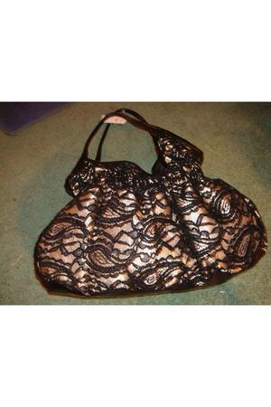 Cache purse