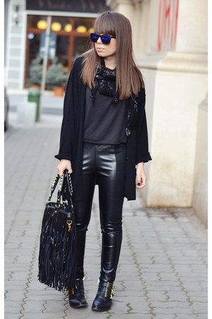 black romwe leggings - pull&bear boots - black New Yorker scarf