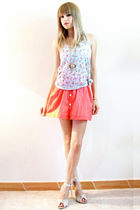 blue pull&bear t-shirt - orange geisha skirt - beige Bershka shoes - gold pull&b