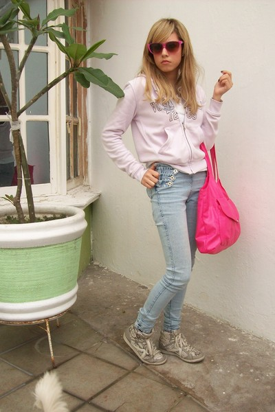 silver Pull and Bear shoes - blue Liber jeans jeans - pink Zara sunglasses - pur