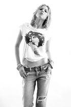 white Zara t-shirt - blue Zara jeans