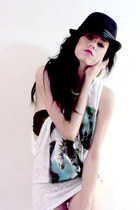 white Zara t-shirt - black Pull and Bear hat - black Womens secret bra