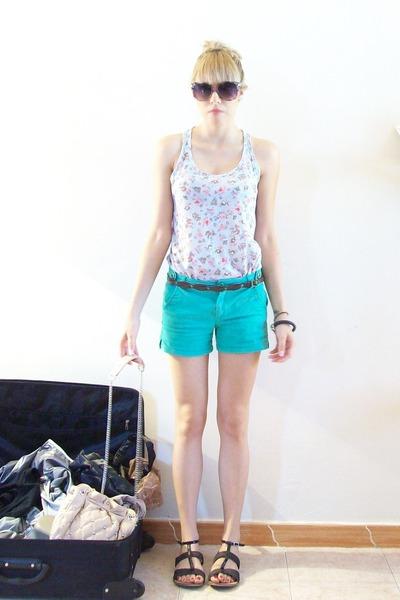 blue Pull and Bear t-shirt - green Zara Kids shorts - black Chloe shoes - pink Z