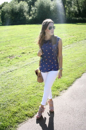 Bershka top - River Island jeans - Mulberry bag - Topshop wedges