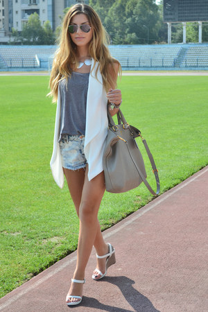 Zara vest - Prada bag - Ray Ban sunglasses