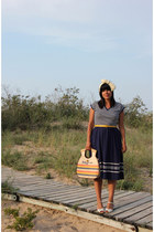white vintage shoes - navy vintage dress - beige vintage bag