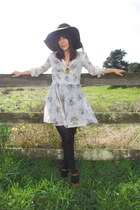 beige Vintage Wasteland dress - dark brown vintage hat - black American Apparel