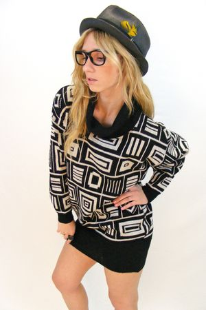 black vintage sweater - black vintage hat
