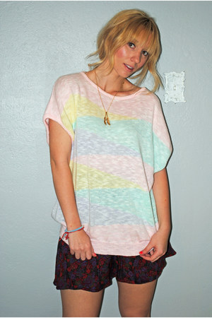 light pink slouchy striped vintage top