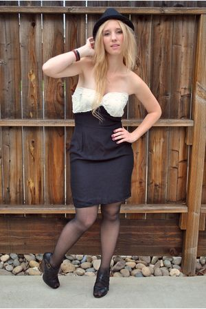 black vintage dress - Dolce Vita shoes - black H&M shoes - black hat