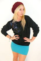 Black-vintage-sweater-blue-h-m-skirt-red-beanie-hat