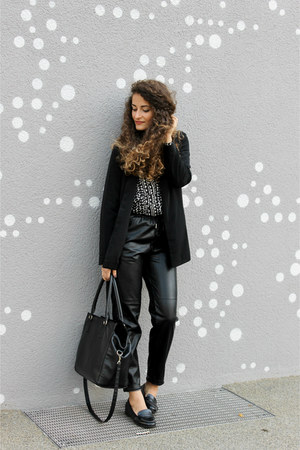 black asos blazer - black heart H&M shirt - black H&M bag