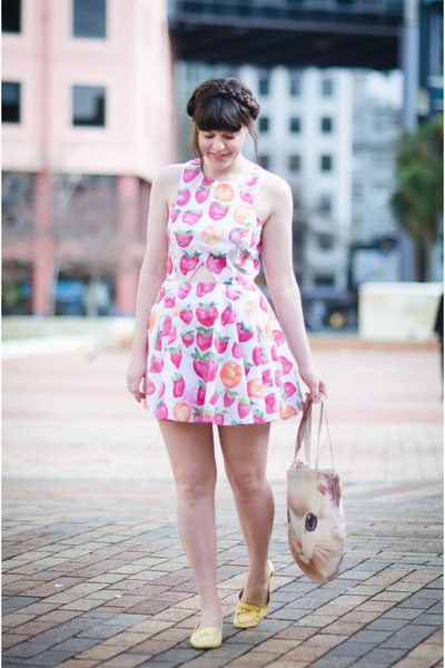 bubble gum strawberry Lucy Hope dress - ivory cat Muchacha bag