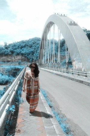 chifon unbranded dress - seratnanas scarf