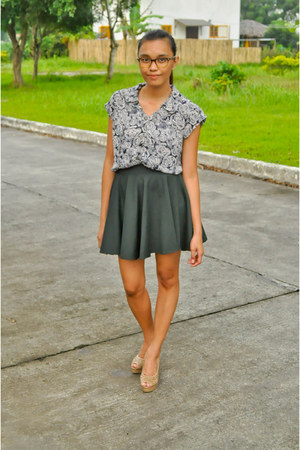 forest green divisoria skirt - gray thrifted vintage blouse - tan Parisian heels