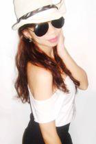 black random shorts - white Zara top - white YRYS accessories