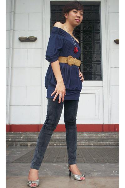blouse - jeans - shoes - belt - necklace