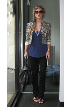 white vintage blazer - black skinny jeans J Brand jeans