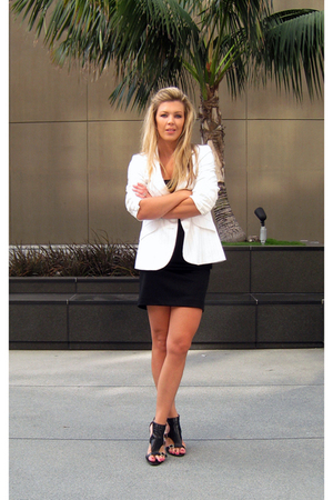 adrienne vittadini dress - vintage white blazer blazer - Guess shoes
