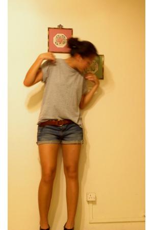 Hanes t-shirt - Ralph Lauren belt - Forever21 shorts