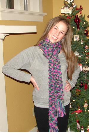 amethyst Old Navy scarf