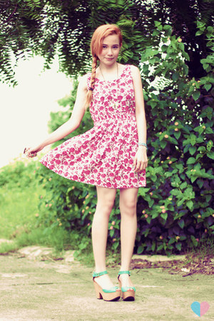 floral Hang Ten dress - rubber adidas shoes - Hang Ten shirt