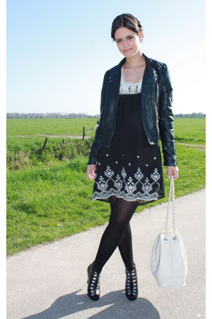 black Queens Wardrobe dress