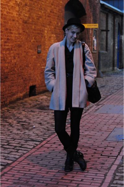 camel wool camel vintage coat - black vintage boots
