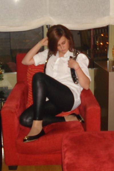Zara - Guzman shirt - Topshop leggings - Mustang shoes