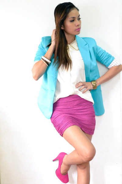 hot pink skirt - turquoise blue suit - eggshell top - hot pink heels