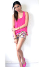 Hot-pink-floral-shorts-hot-pink-pumps-heels-hot-pink-primadonna-top
