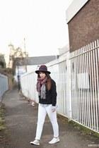 sully jeans - new look sneakers - new look hoodie